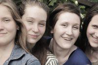 Sehen sich diese vier Verwandten Frauen ähnlich?